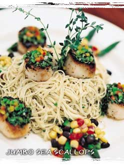 Pasta with Scallops and Pears in a Garlic-Ginger Cream